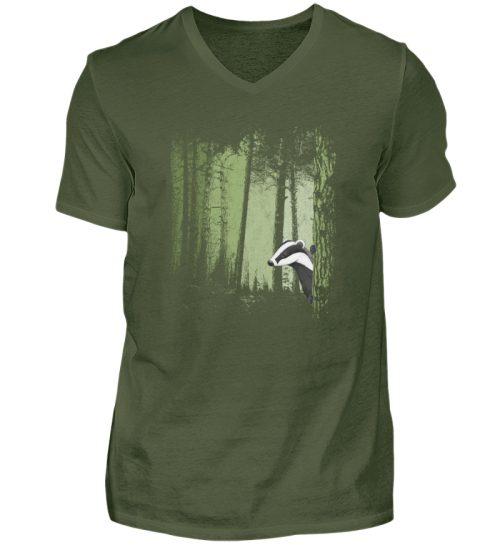 frecher Dachs im Zwielicht Wald - Herren V-Neck Shirt-2587