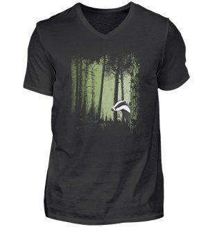 frecher Dachs im Zwielicht Wald - Herren V-Neck Shirt-16
